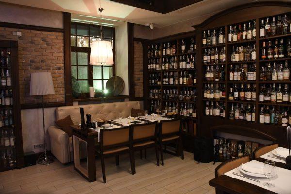 Whisky Corner Ambiance